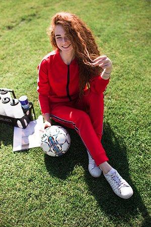 Женский красный спортивный костюм Аржен