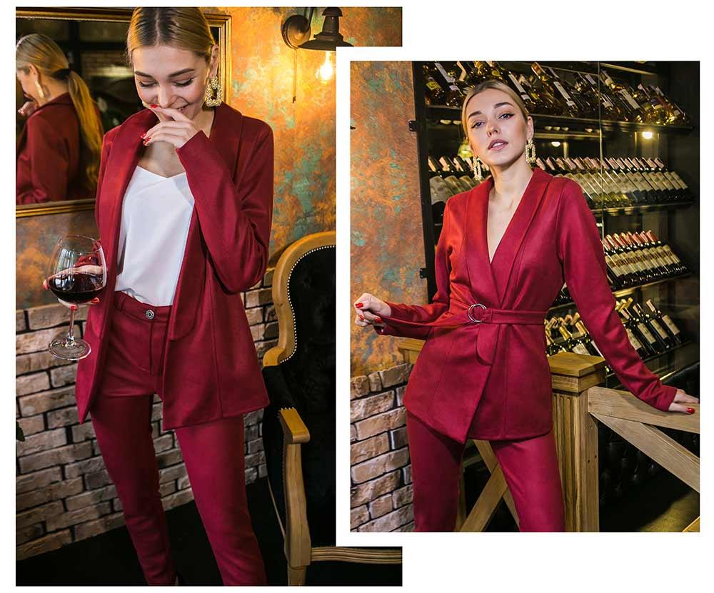 Бордовый деловой брючный костюм для девушек