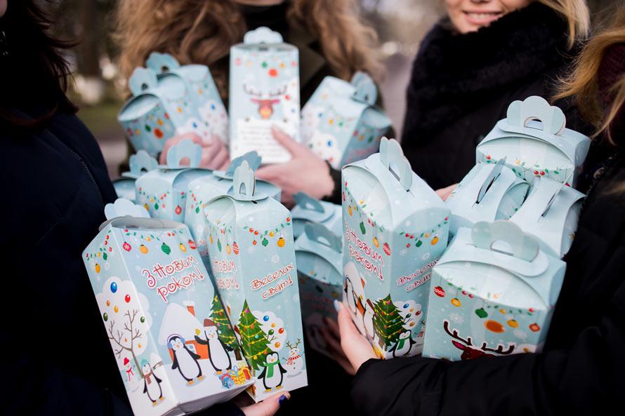 Новогодние подарки от интернет-магазина Аржен детям