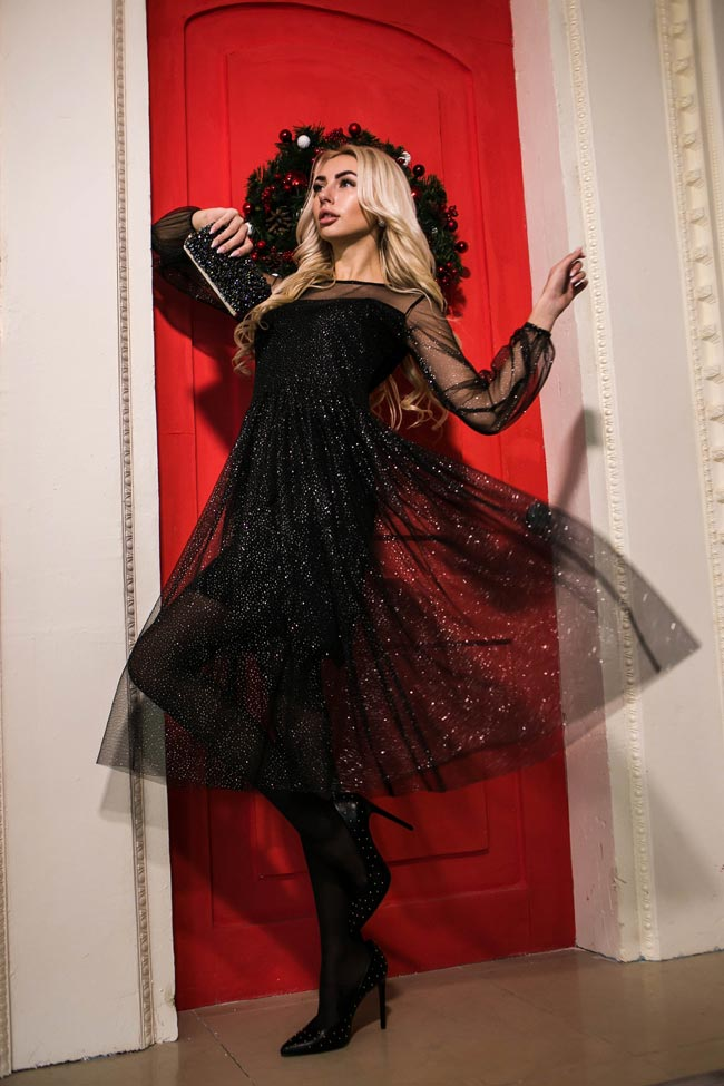 Черное вечернее платье с блестками от производителя Аржен