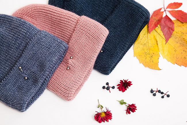 Модные вязаные женские шапки с пирсингом