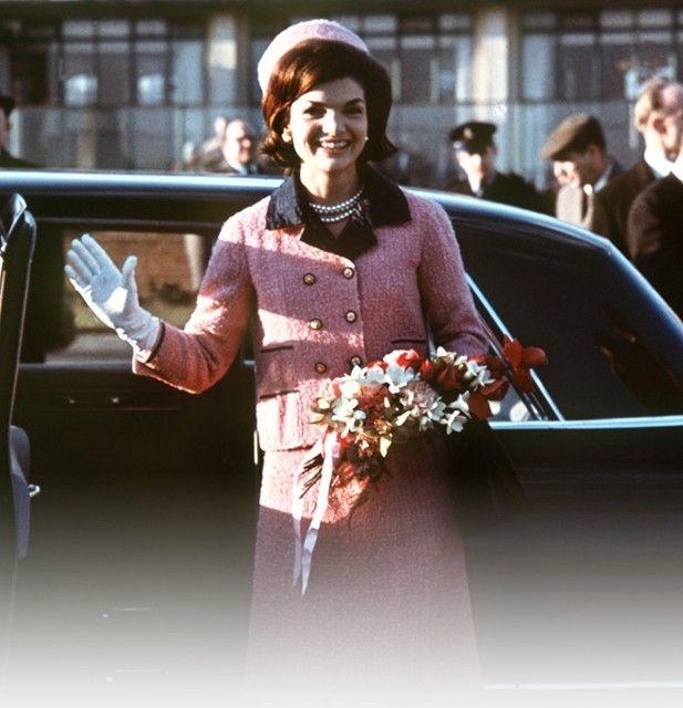 Жаклин Кеннеди в костюме Шанель букле